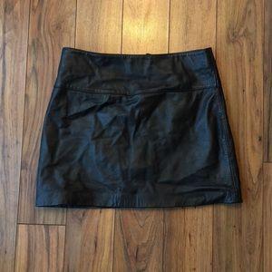 Leather Le Chateau miniskirt